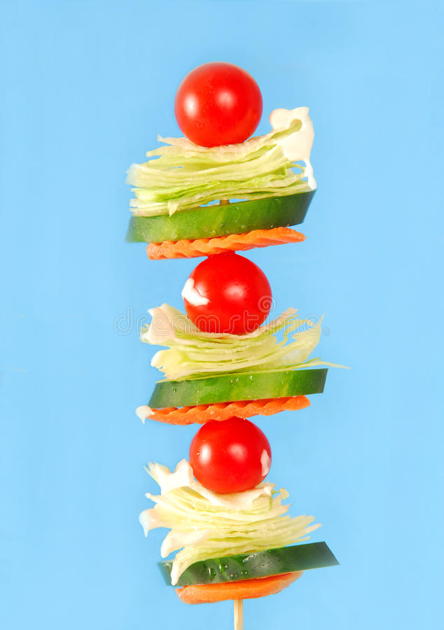 Salat auf einem Steuerknüppel lizenzfreie stockfotos