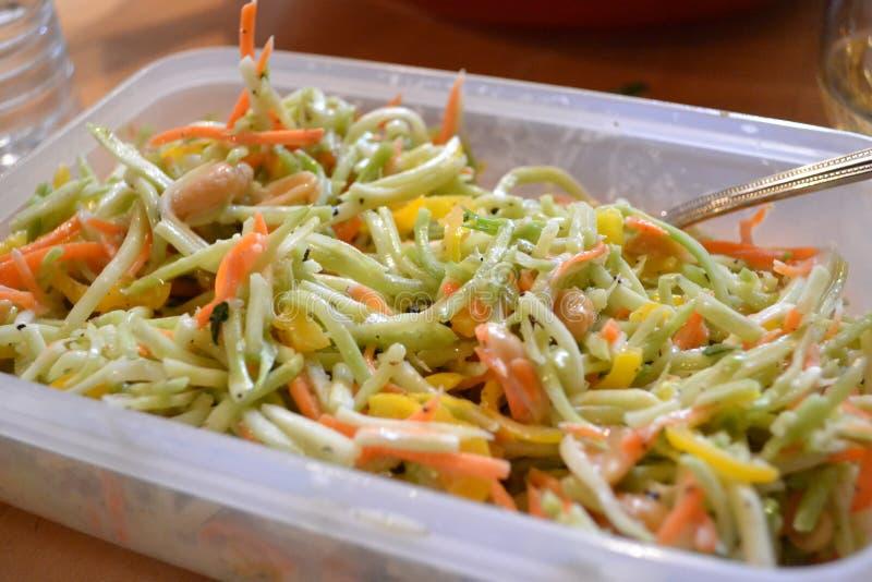 Salat für das Mittagessen stockfotografie