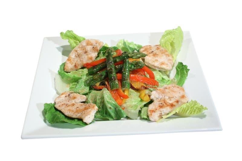 Salat mit gegrilltem Huhn, Spargel und Paprika stockfotos