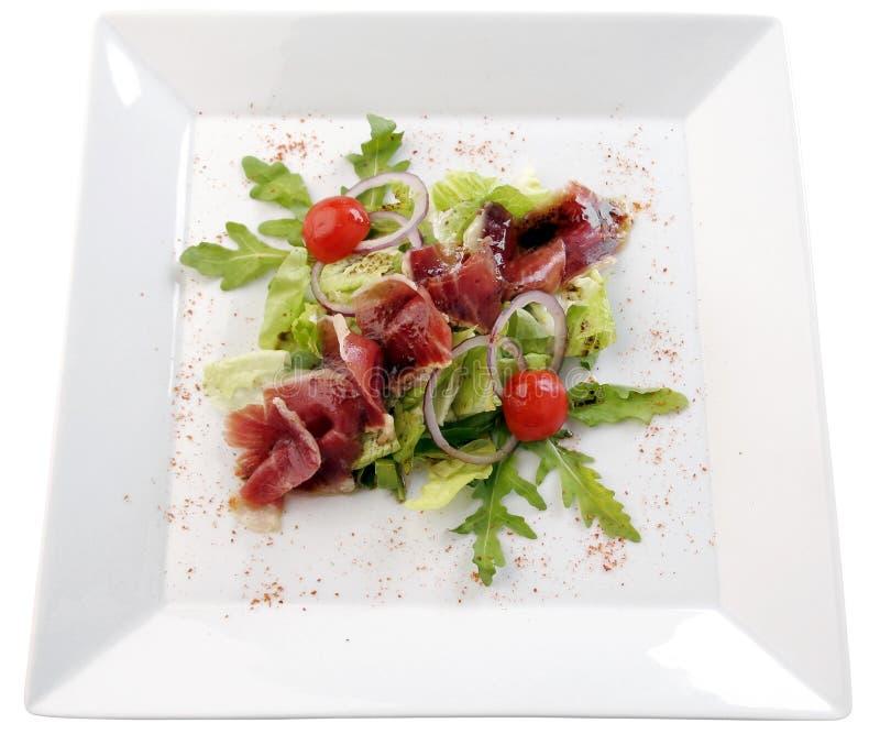 Salat mit Schinken lizenzfreies stockfoto