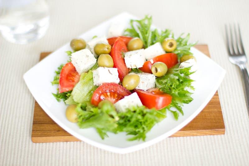 Salat mit Tofu lizenzfreies stockfoto