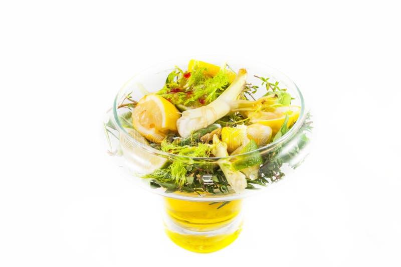 Salat mit Zitrone lizenzfreie stockfotografie
