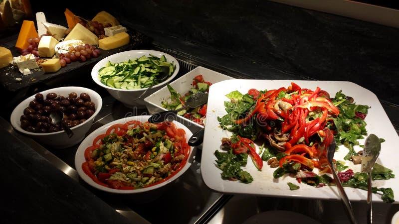 Salate und andere griechische Zartheit lizenzfreie stockfotos