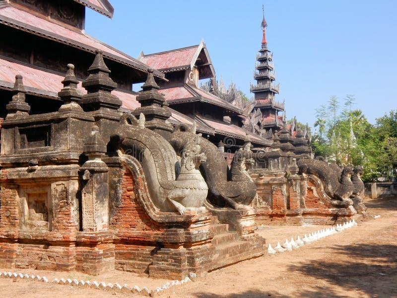 Salay av Sale, kloster med carvings, centrala Myanmar, Burma arkivfoto