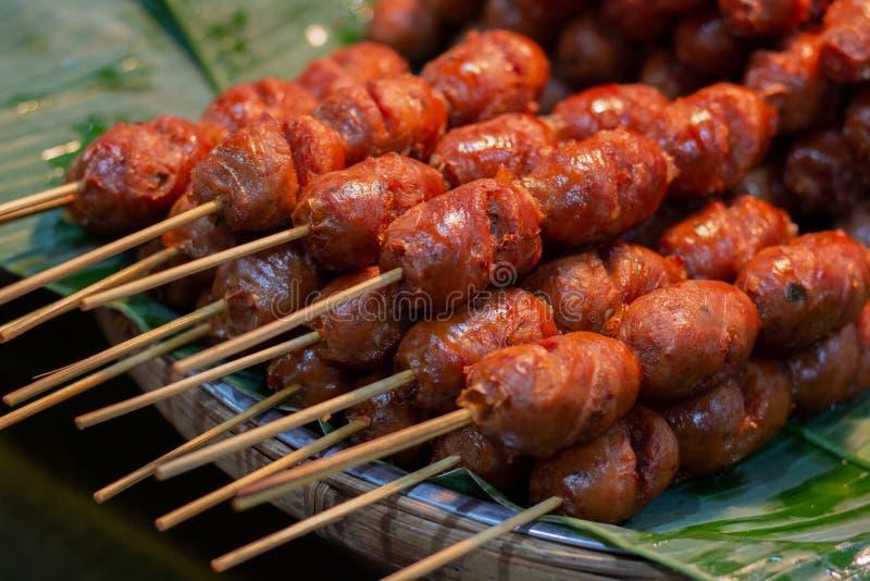 Salchicha de cerdo tailandesa de la comida, perrito caliente tailandés imagen de archivo libre de regalías