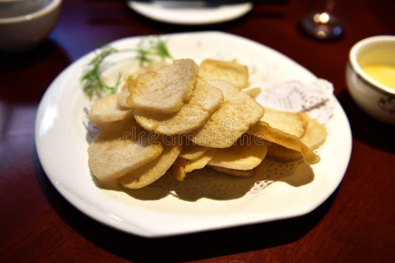 Salchicha frita bocado chino fotos de archivo