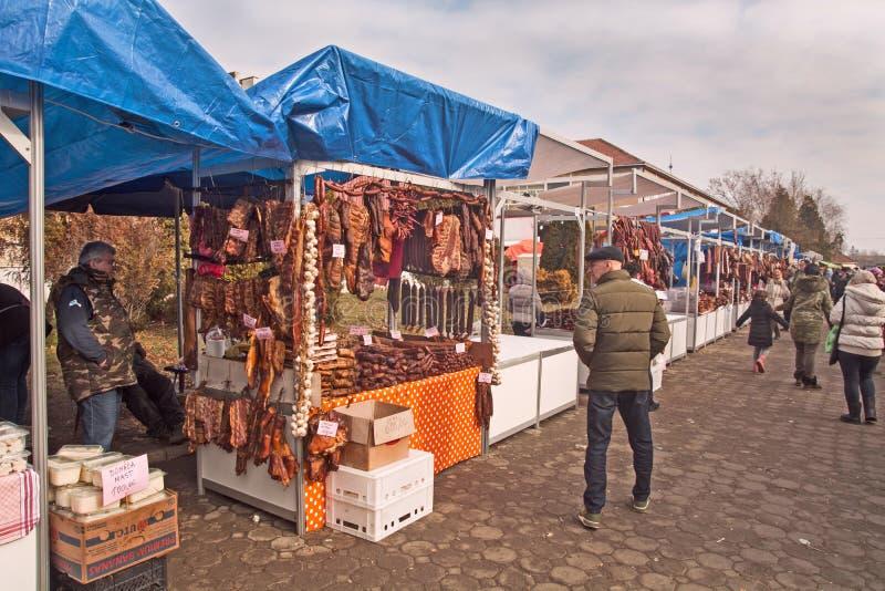 Sale av torkat och rökt kött royaltyfria bilder