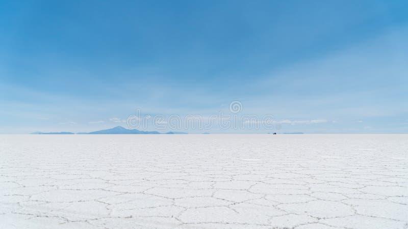 Sale piano piano, Bolivia del ` s del mondo del sale di Uyuni - Salar de Uyuni - più grande immagine stock