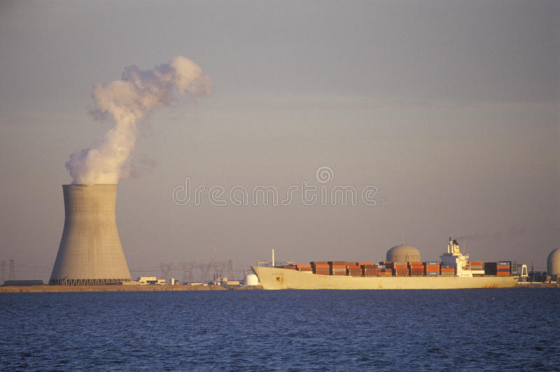 Salem Nuclear Power Plant alla baia di Delaware, NJ fotografie stock