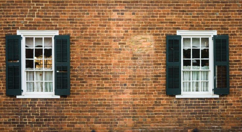 Salem Windows idoso imagem de stock