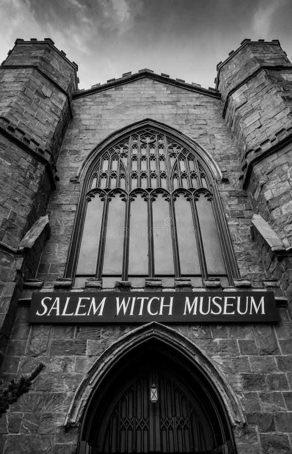 Salem Witch Museum ingång som ses i Salem, MOR, USA royaltyfria foton