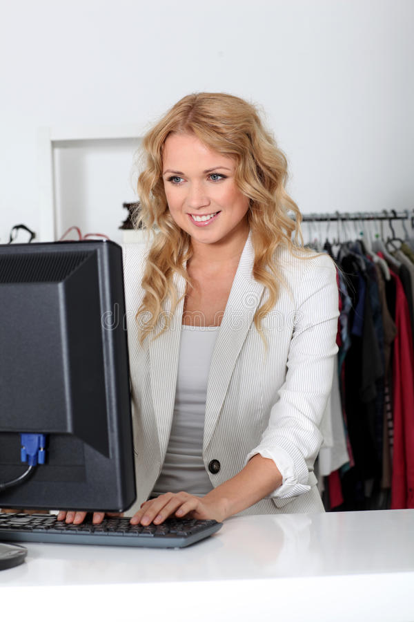 saleswomanlager arkivfoton