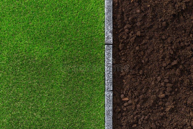 Saleté et herbe photographie stock libre de droits