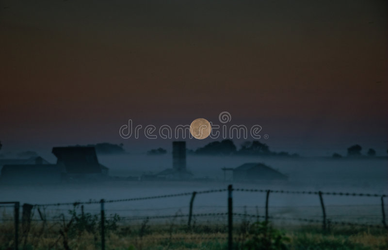 Salida de la luna de Ozarks fotografía de archivo