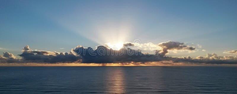 Salida del sol fotografía de archivo