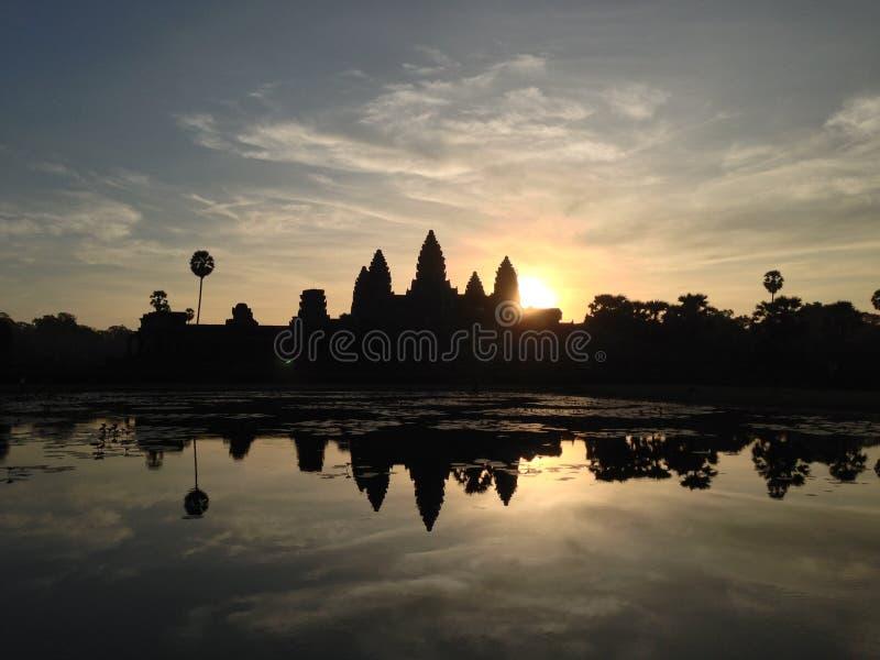 Salida del sol Angkor Wat Cambodia imagen de archivo