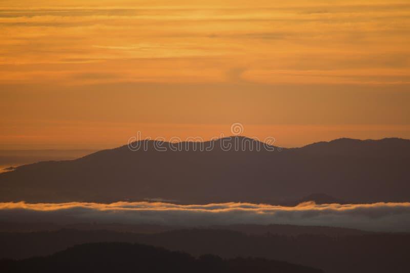 Salida del sol azul de Ridge fotografía de archivo libre de regalías