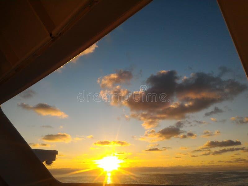 Salida del sol a bordo foto de archivo libre de regalías