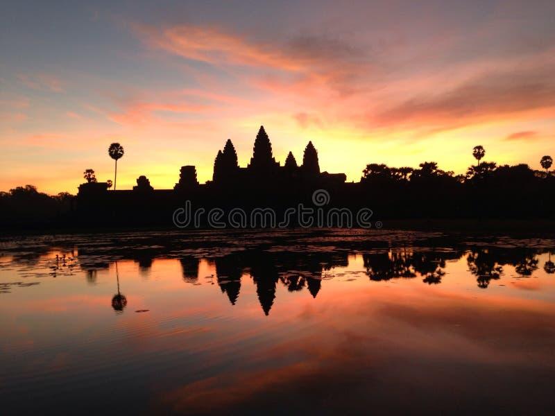 Salida del sol de Angkor Wat fotografía de archivo libre de regalías