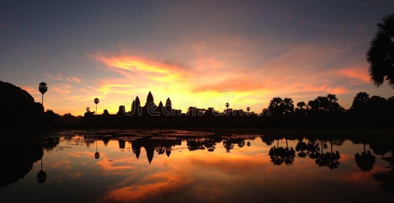 Salida del sol de Angkor Wat imagen de archivo