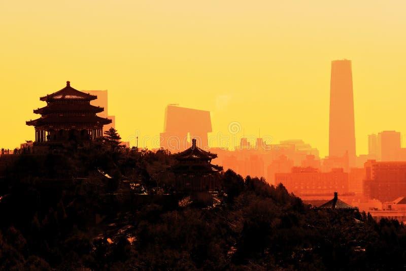Salida del sol de la ciudad de Pekín foto de archivo