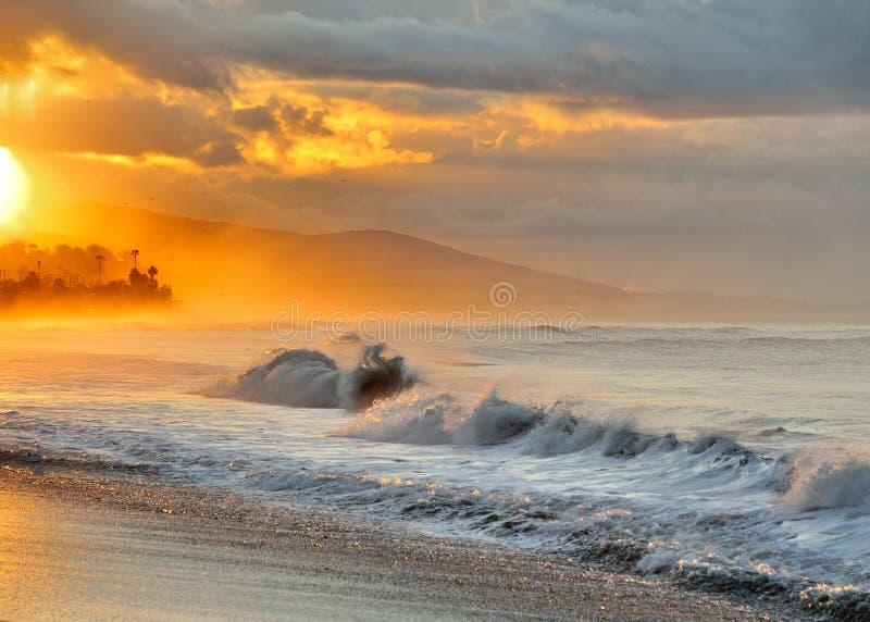 Salida del sol de la costa oeste fotografía de archivo