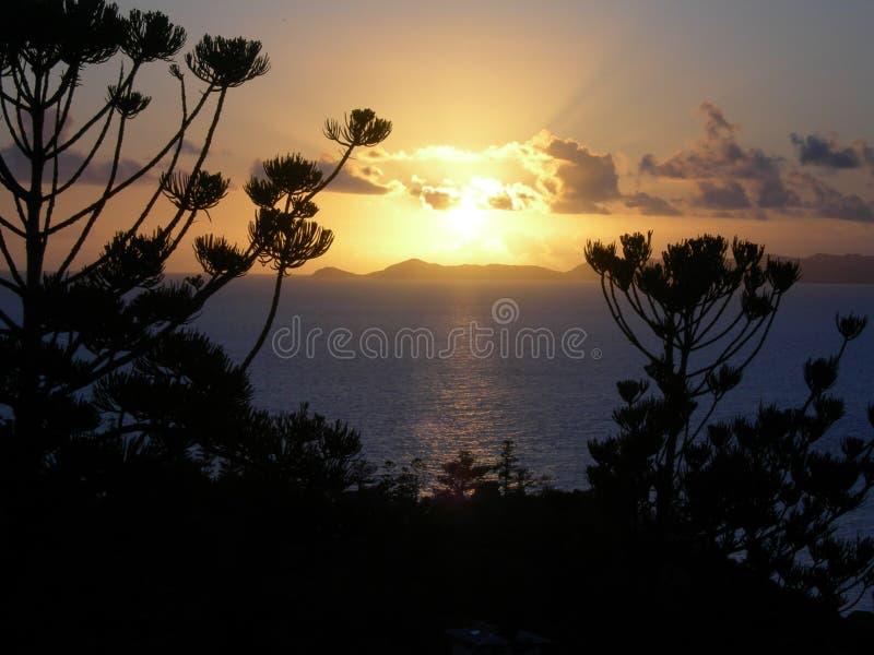 Salida del sol de la isla fotografía de archivo