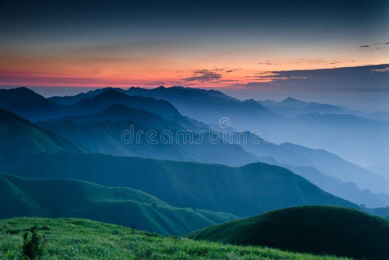 Salida del sol de la montaña de WuGong fotografía de archivo libre de regalías