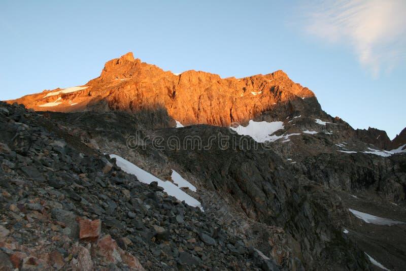 Salida del sol de la montaña del castillo - Montana foto de archivo