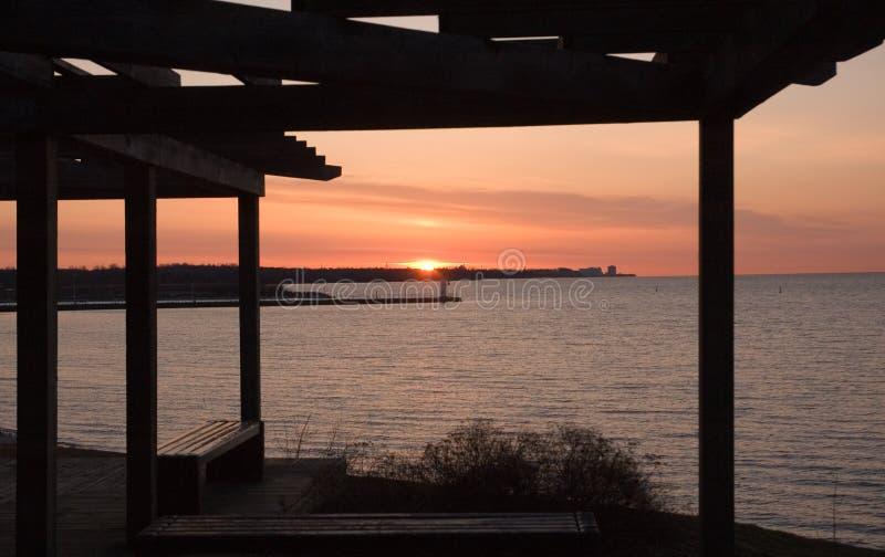 Salida del sol de Lakeview imagen de archivo libre de regalías