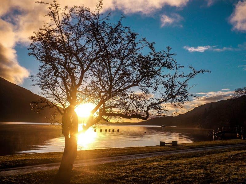 Salida del sol de Loch Lomond foto de archivo libre de regalías