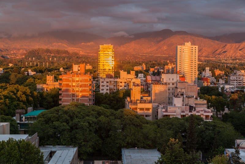 Salida del sol de Mendoza la Argentina fotos de archivo