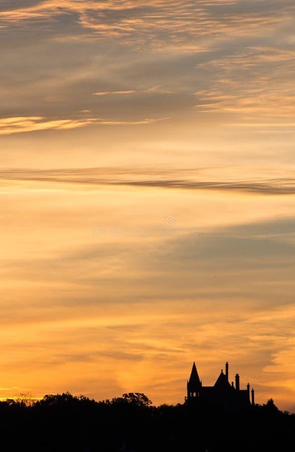 Salida del sol del castillo foto de archivo libre de regalías