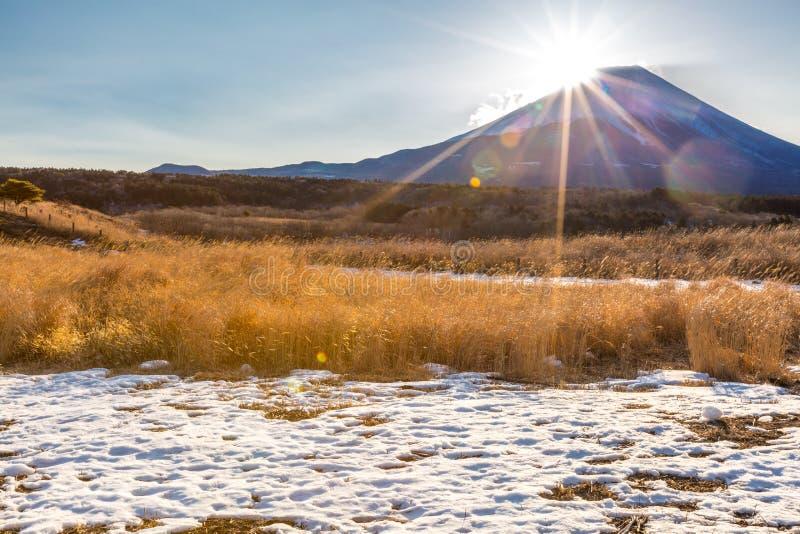 Salida del sol del diamante de Fuji de la montaña imagen de archivo libre de regalías