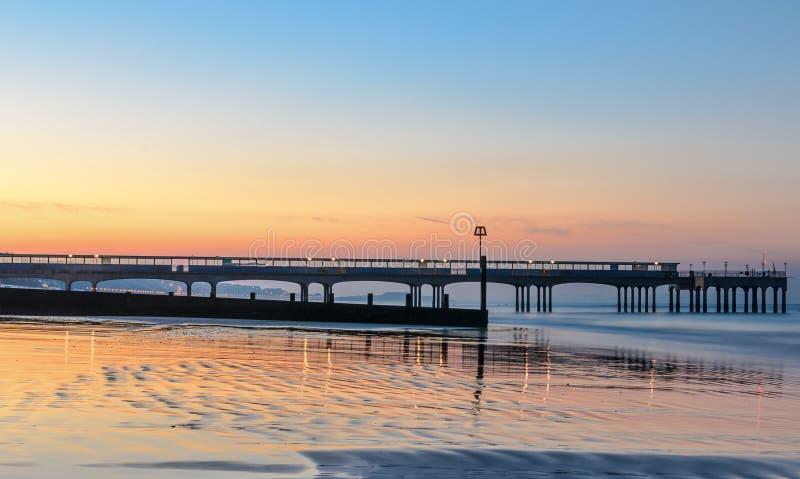 Salida del sol del embarcadero de Boscombe imagen de archivo libre de regalías