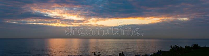 Salida del sol del lago Michigan de la madrugada fotografía de archivo