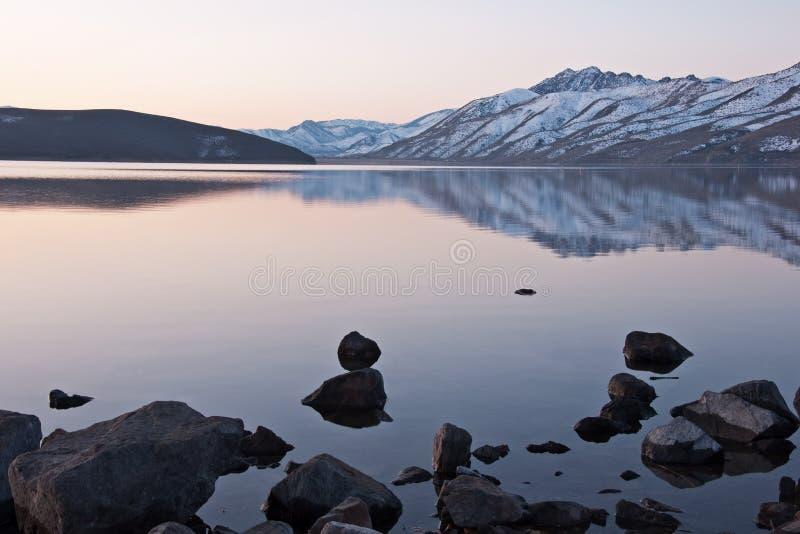 Salida del sol del lago Topaz imagenes de archivo