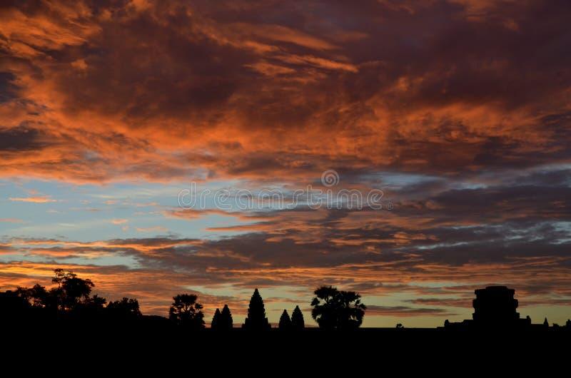 Salida del sol en Angkor Wat fotos de archivo
