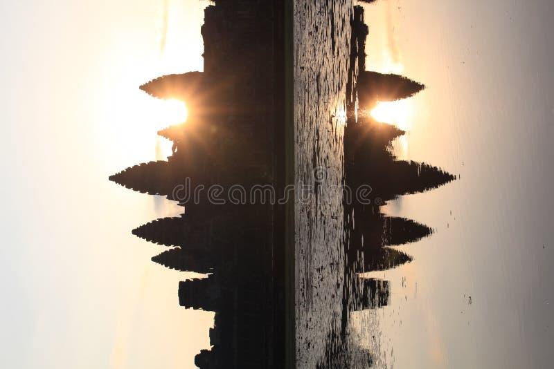 Salida del sol en Angkor Wat imagenes de archivo