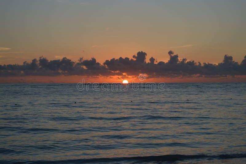 Salida del sol en Caraibes fotografía de archivo libre de regalías