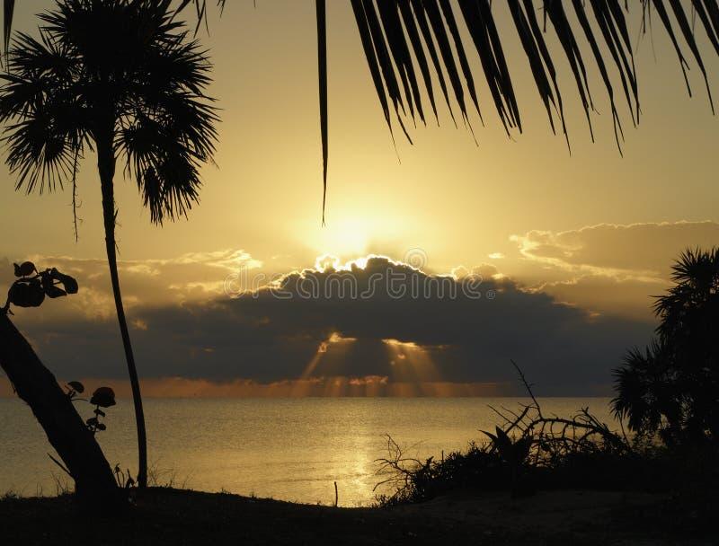 Salida del sol en el Caribe imágenes de archivo libres de regalías