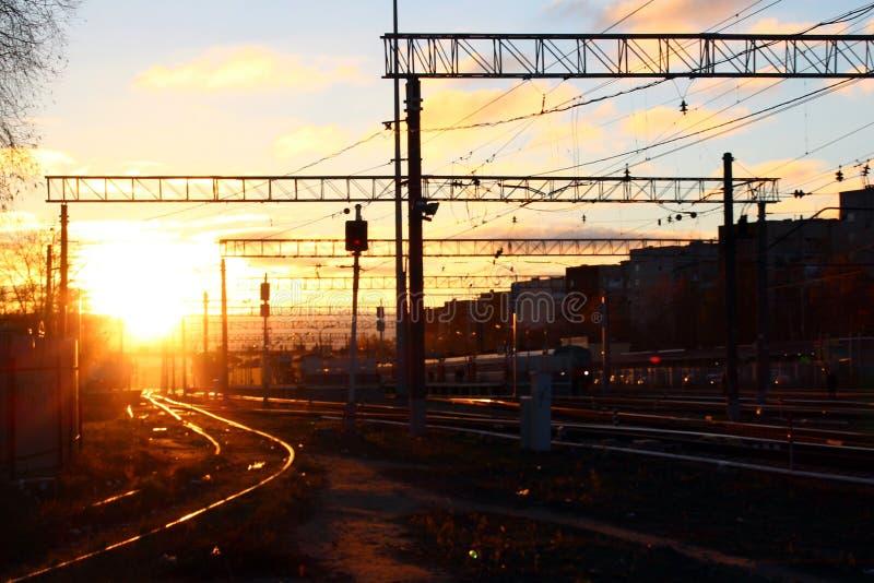 Salida del sol en el ferrocarril de Monino fotografía de archivo libre de regalías