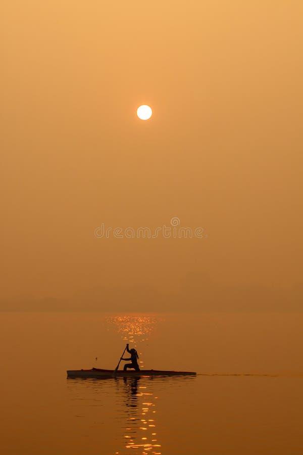 Salida del sol en el lago del oeste fotografía de archivo libre de regalías