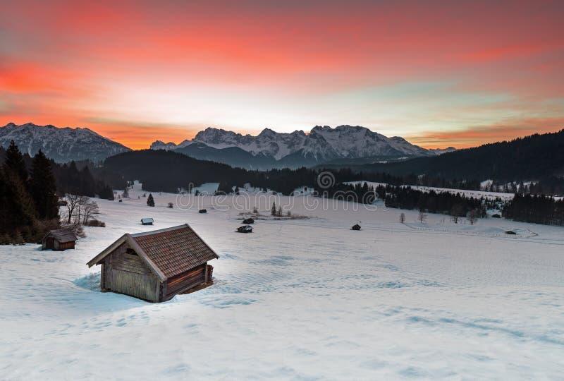 Salida del sol en el lago Geroldsee imagen de archivo libre de regalías