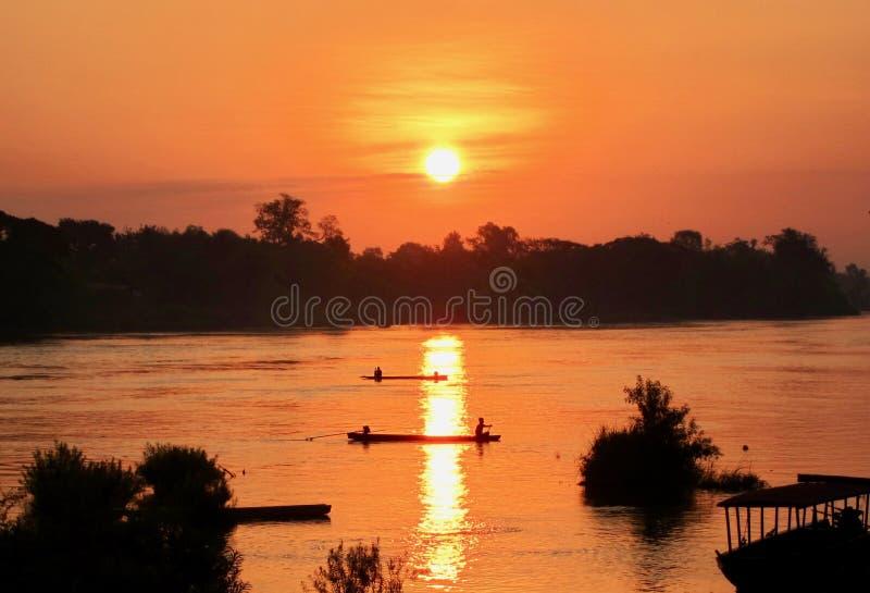 Salida del sol en el río Mekong 4000 islas, Laos imágenes de archivo libres de regalías