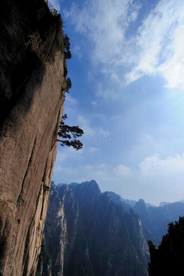 Salida del sol en el soporte Huangshan imágenes de archivo libres de regalías