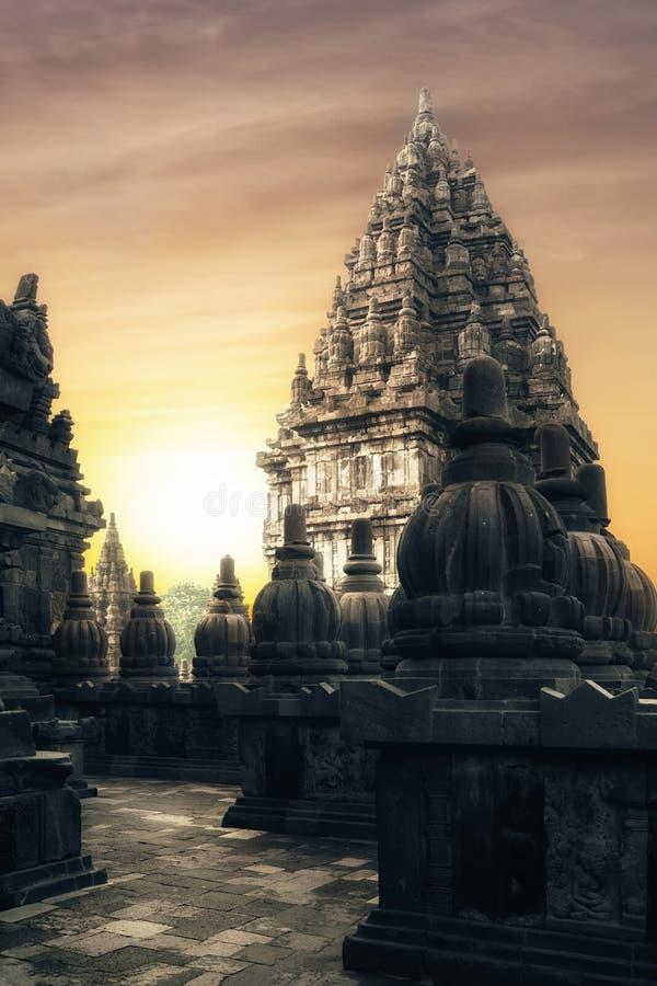 Salida del sol en el templo hindú de Prambanan Java, Indonesia fotografía de archivo libre de regalías