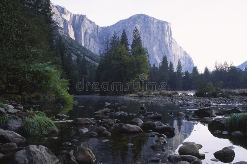 Salida del sol en el valle de Yosemite imagen de archivo