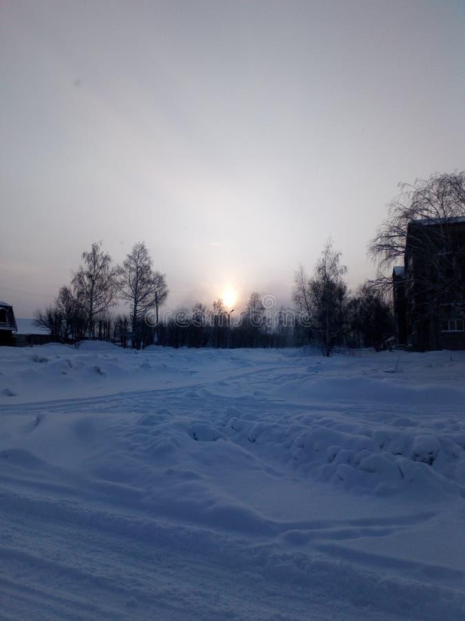 Salida del sol en enero imagen de archivo libre de regalías