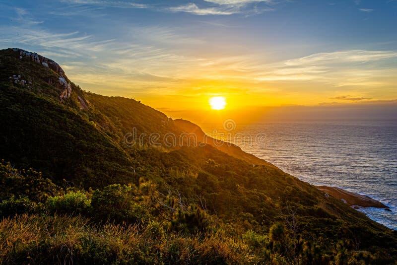 Salida del sol en floriapolis, rastro del Boa Vista imagen de archivo libre de regalías